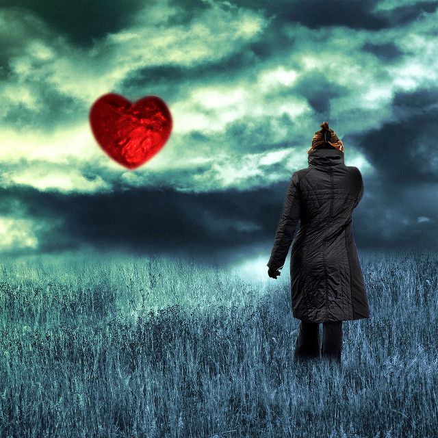 Floating Heart by Mysza on Flickr